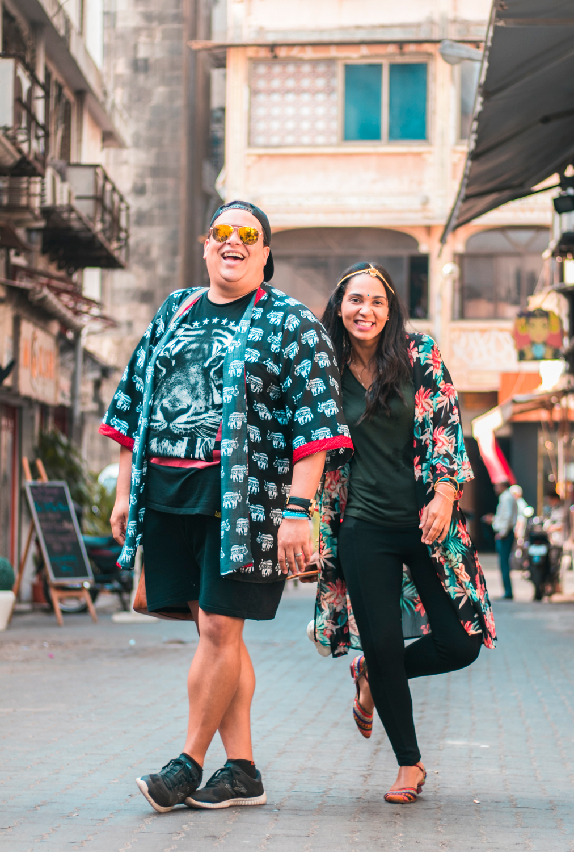 ¿Interesado en viajar a la India? Aquí la guía completa que necesitas saber: vuelos, vestimienta, lugares turísticos, costo, transporte y mucho más.viaje-india-travel-guia-60-mumbai-shopping-street