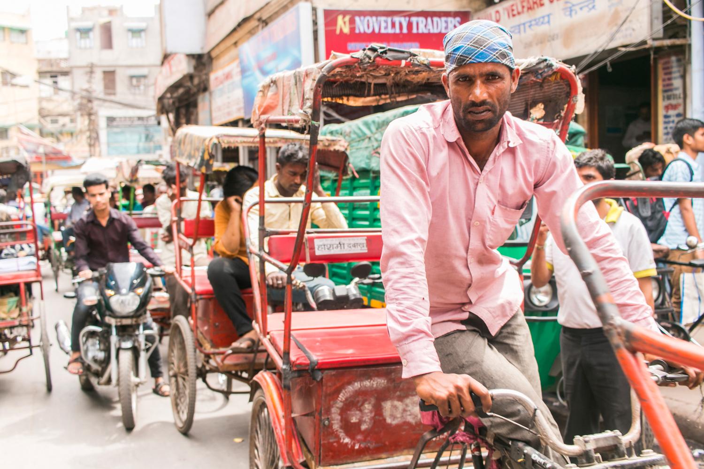 ¿Interesado en viajar a la India? Aquí la guía completa que necesitas saber: vuelos, vestimienta, lugares turísticos, costo, transporte y mucho más.viaje-india-travel-guide_3-old-dehli-rickshaw