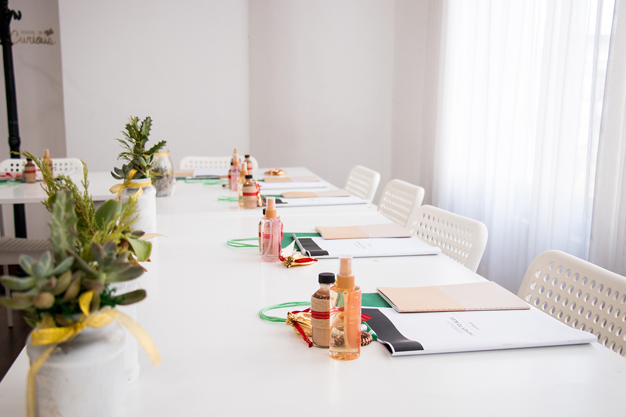Table Decor For Meeting  | The Key To Blog Blogging Creative Workshop