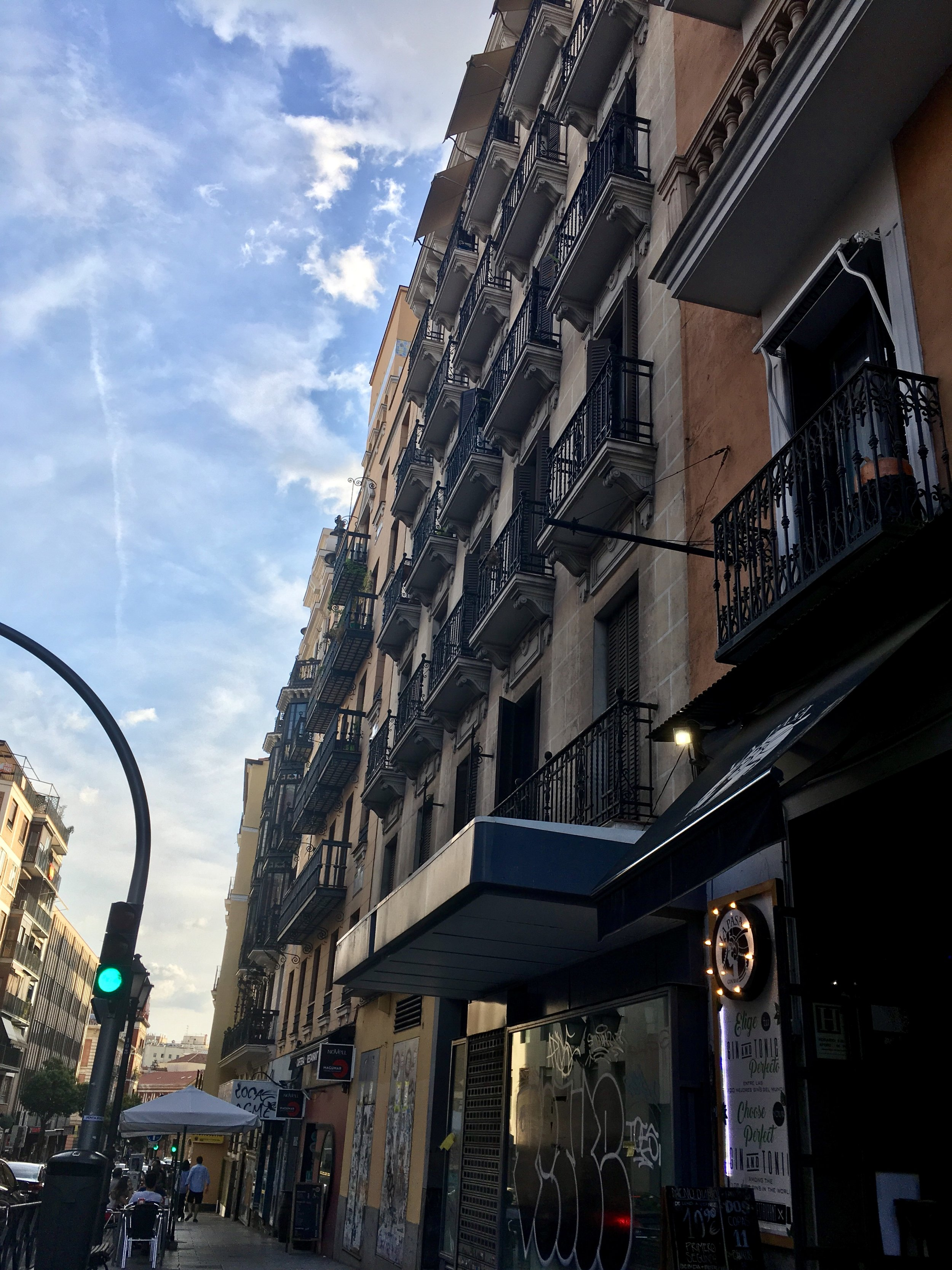 Street in Malasaña, in front of La Pasa Gin Bar!