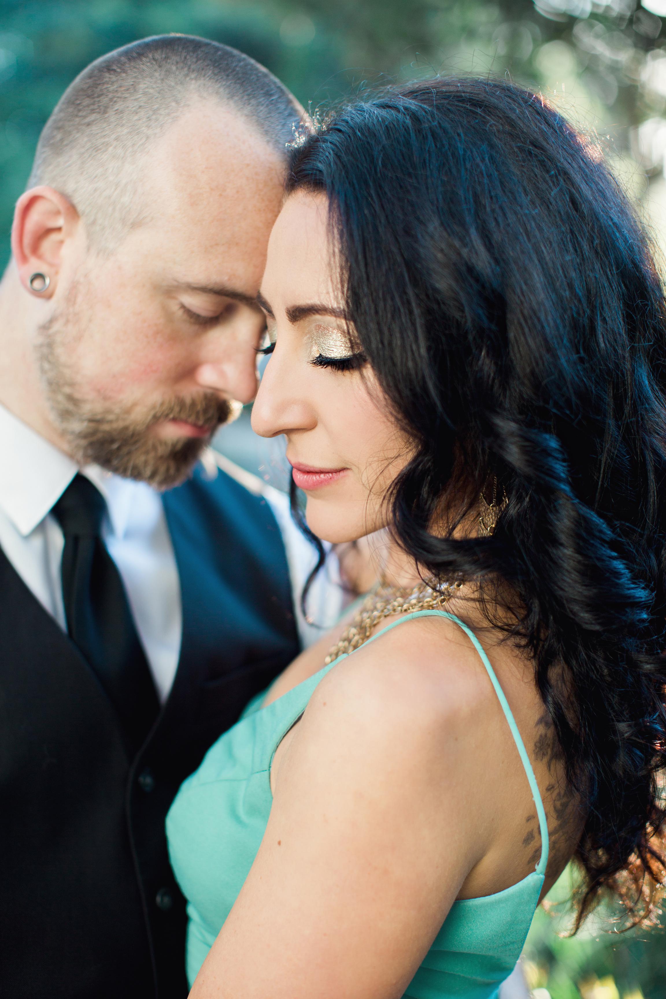 CindyGiovagnoliPhotography_Seattle_Washington_PNW_Couple_Engagement_Portrait_Photography-011.jpg