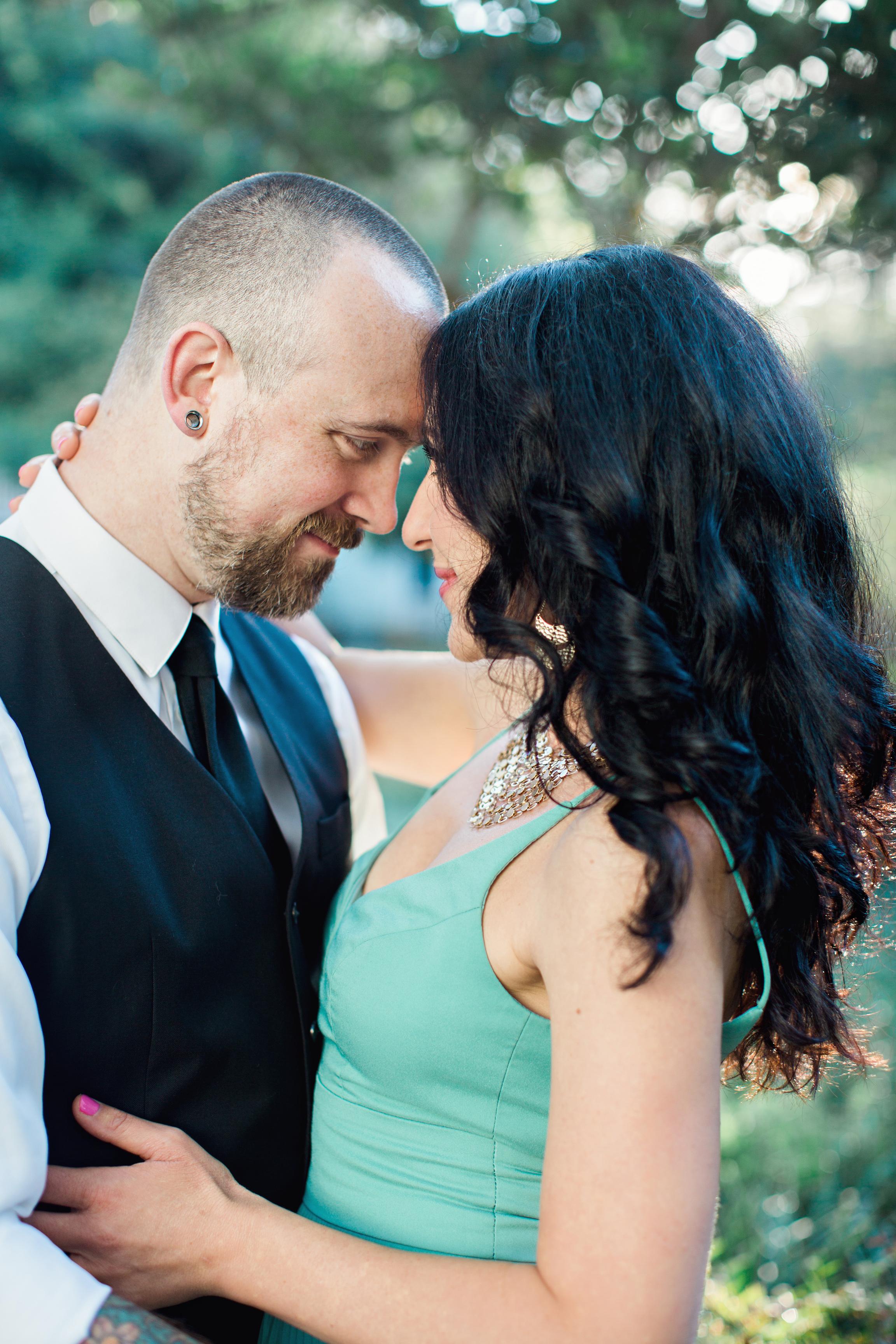 CindyGiovagnoliPhotography_Seattle_Washington_PNW_Couple_Engagement_Portrait_Photography-010.jpg