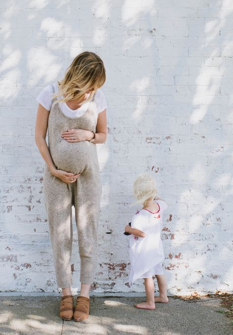 HOW TO PLAN YOUR MATERNITY WARDROBE - This Wild Home