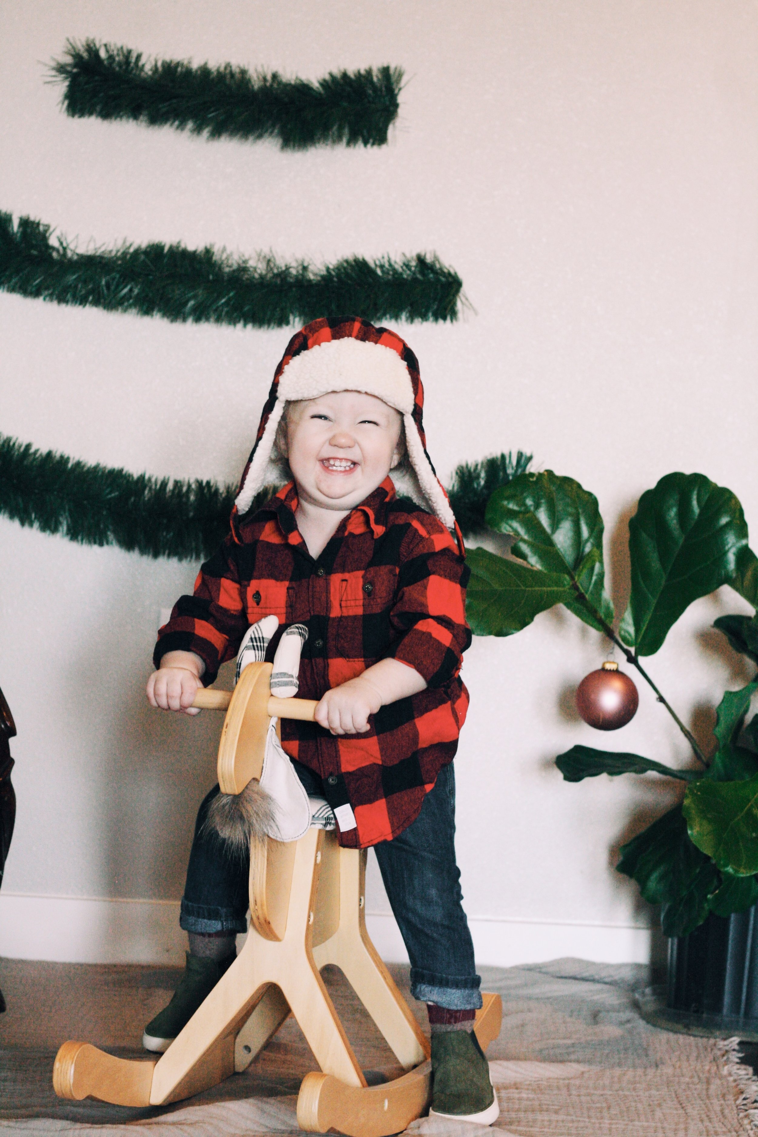 A DIY HOLIDAY SHOOT FOR KIDS - This Wild Home