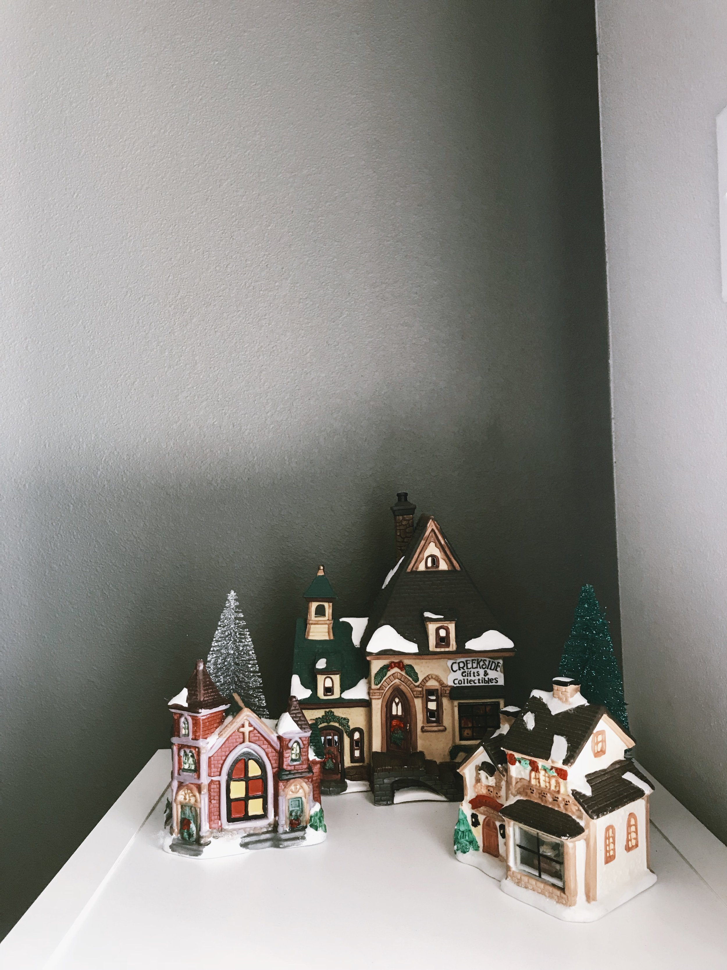 OUR HOME FOR THE HOLIDAYS + A FEW HOLIDAY DIYS - This Wild Home