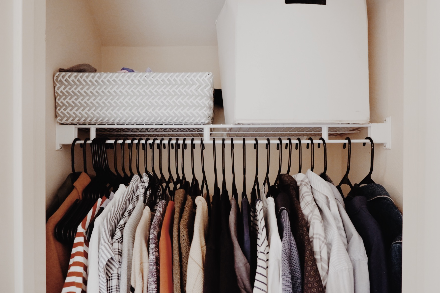HOW TO DOWNSIZE YOUR CLOSET - This Wild Home