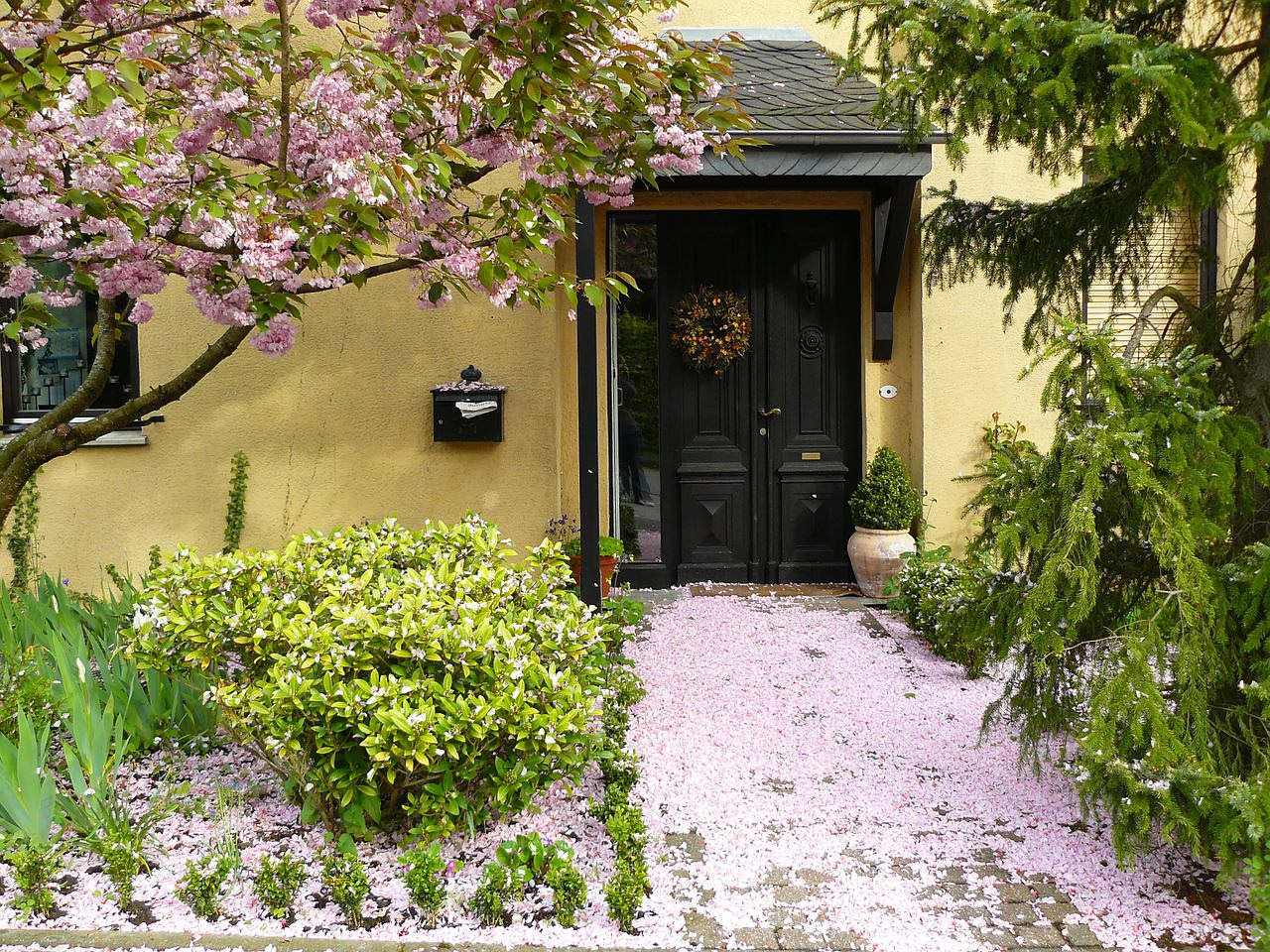 Give parents a front door welcome
