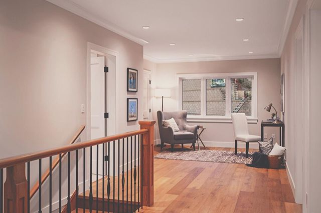 what a cute little office on the landing of home #5! what would you create with this space? #10plums #takeyourpick