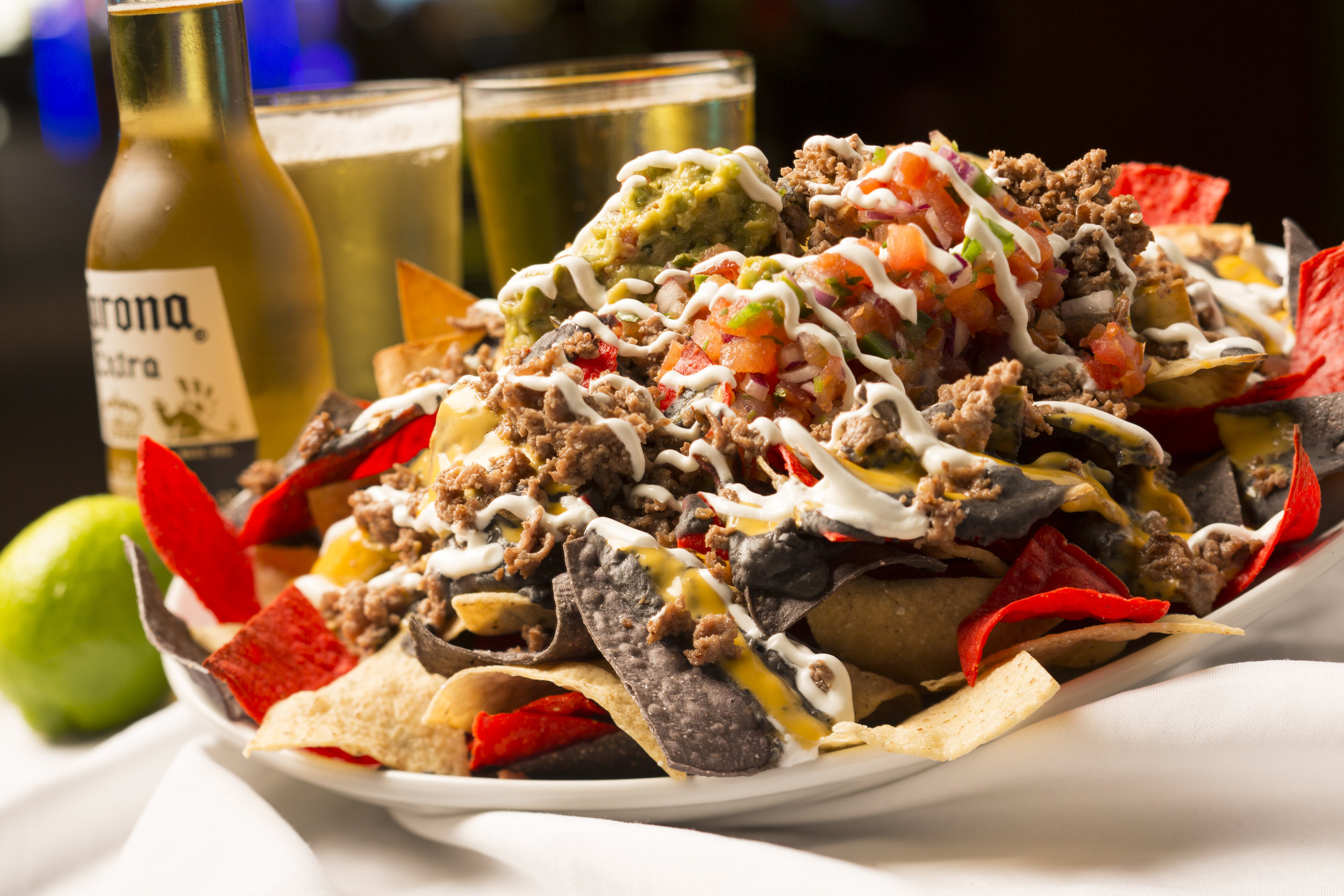 nachos w_beer horiz.jpg