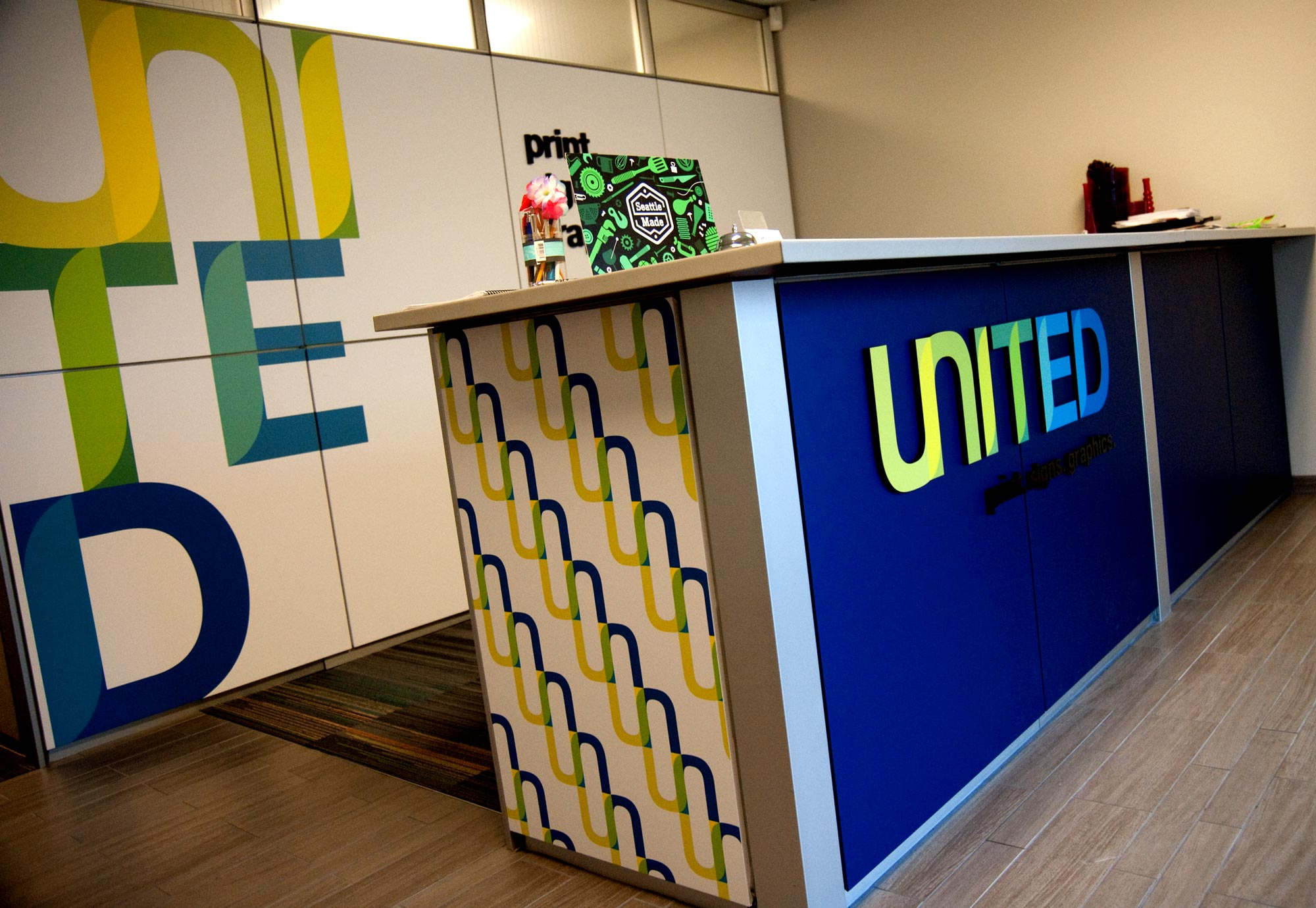 United print. signs. graphics.