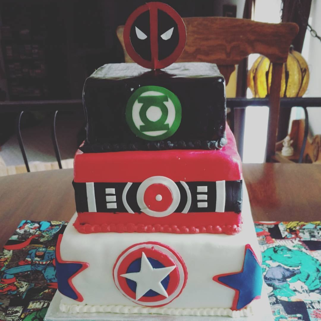 Super birthday cake, marble and vanilla cakes