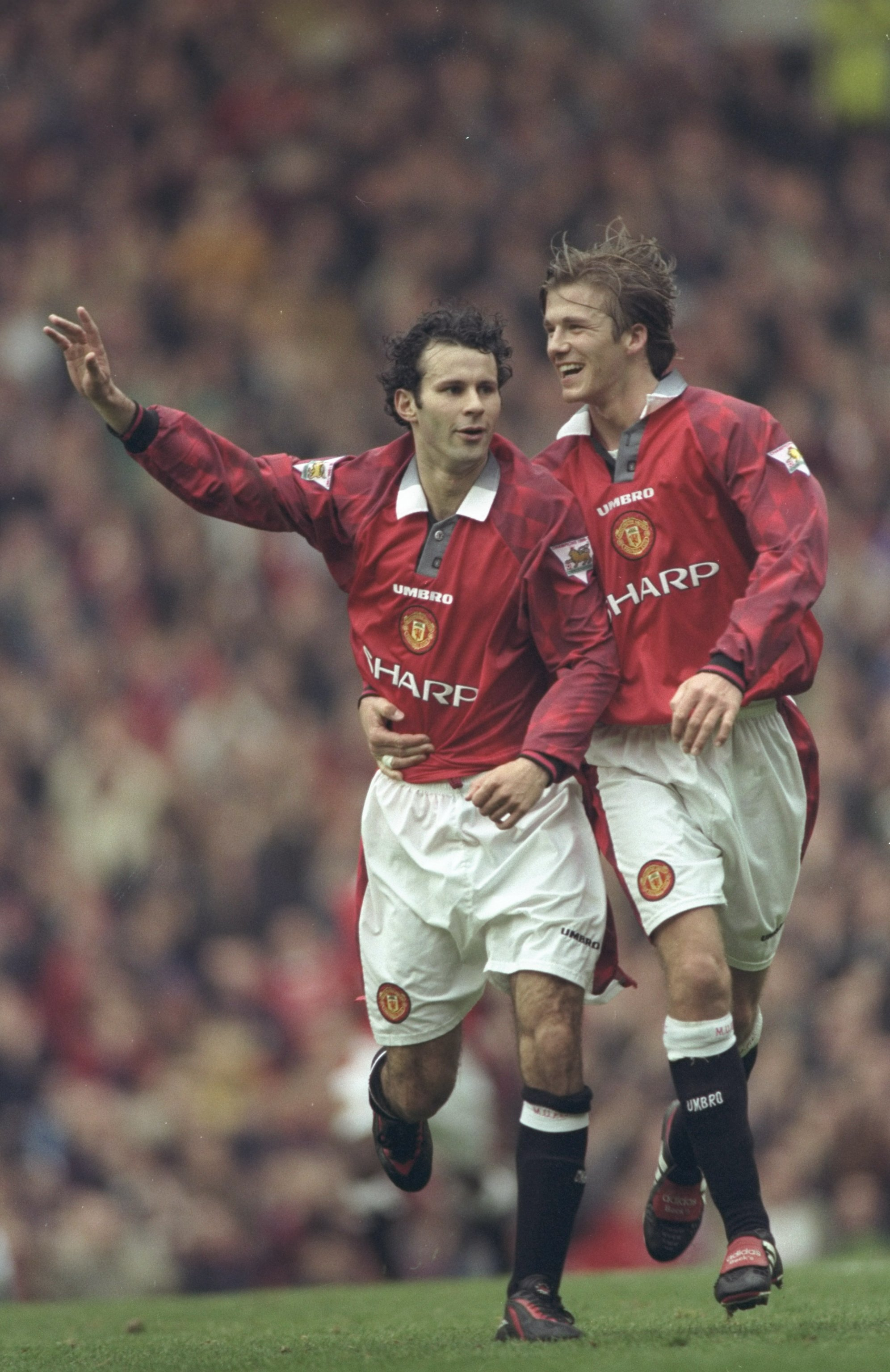 Manchester United's Ryan Giggs (left) and David Beckham (right), 1997-98. (Allsport UK /Allsport)