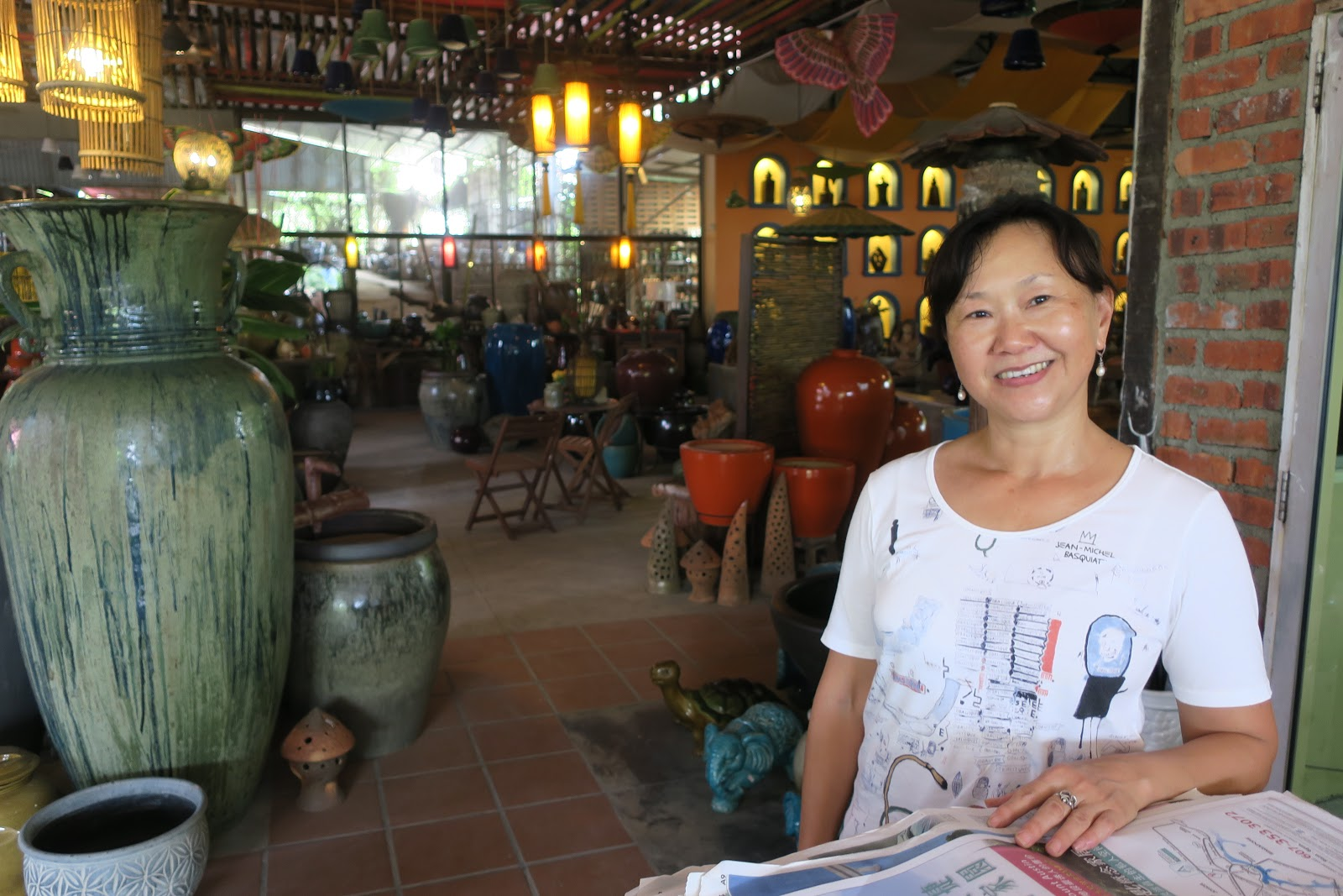 Lee Lang, the youngest daughter of Aw Eng Kwang, was the driving force behind the revival of Aw Pottery