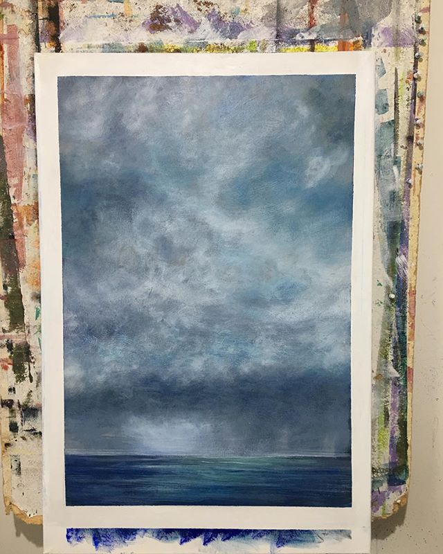 I can't get away from my love of skies and oceans- better still sky over ocean 😄 I started this dramatic stormy sky over Coogee beach this afternoon. Working from my huge collection of photos of Coogee.I feel so immersed when painting  this subject that it always feels like the painting paints itself and I'm just on the other end of the brush for the ride. I'll let the painting 'rest' overnight and decide tomorrow if it's finished or needs a tweak.  What do you think? Finished or not? One of the hardest things for an artist is knowing when to stop. 'Storm rolling in' 600x900 . . . . . #sydneybeaches #coogeebeach #australianart #seascapepainting #contemporaryart #modernpainting #waterart #artforsale #impressionism #moodyart #skypainting #coogeepavilion #sydneyaustralia #landscapepainting #brontebeach #atmosphericpainting