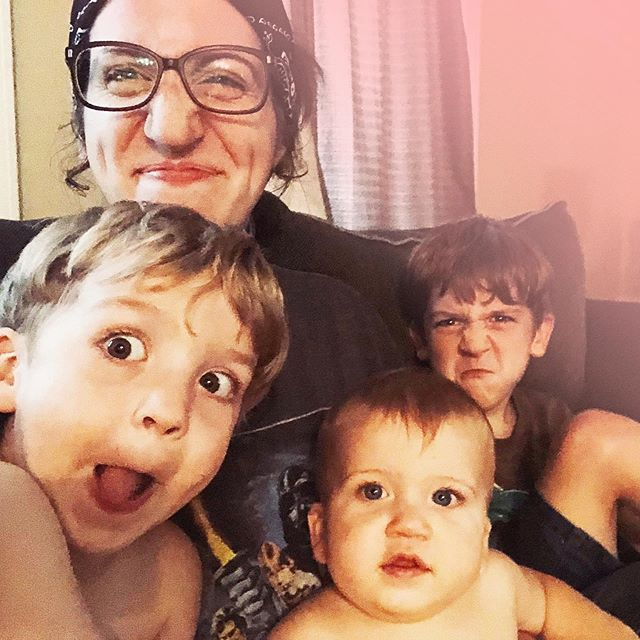 @thehiddengemvc is up on the blog today talking about Motherhood, Marriage, & Mental Illness. She takes a deep dive in freelancing while juggling three kiddos, depression and anxiety. It's a great read and incredibly relatable for those of you with little ones! Head on over to the link in bio to read. #momsdoitall