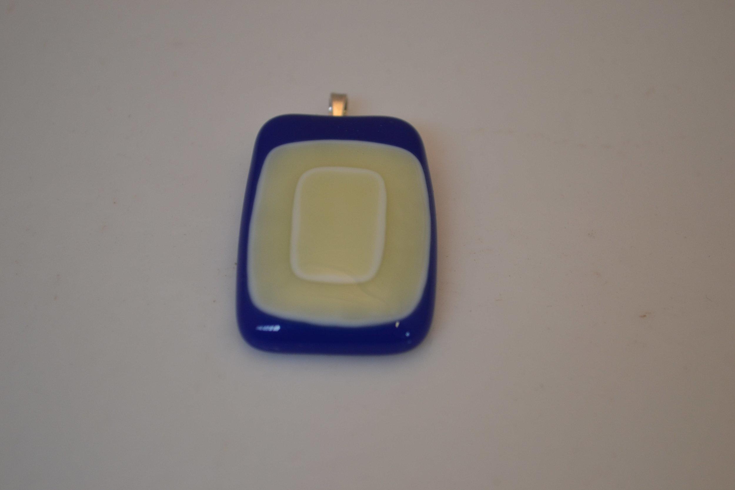 GlassPendantBlu1.JPG