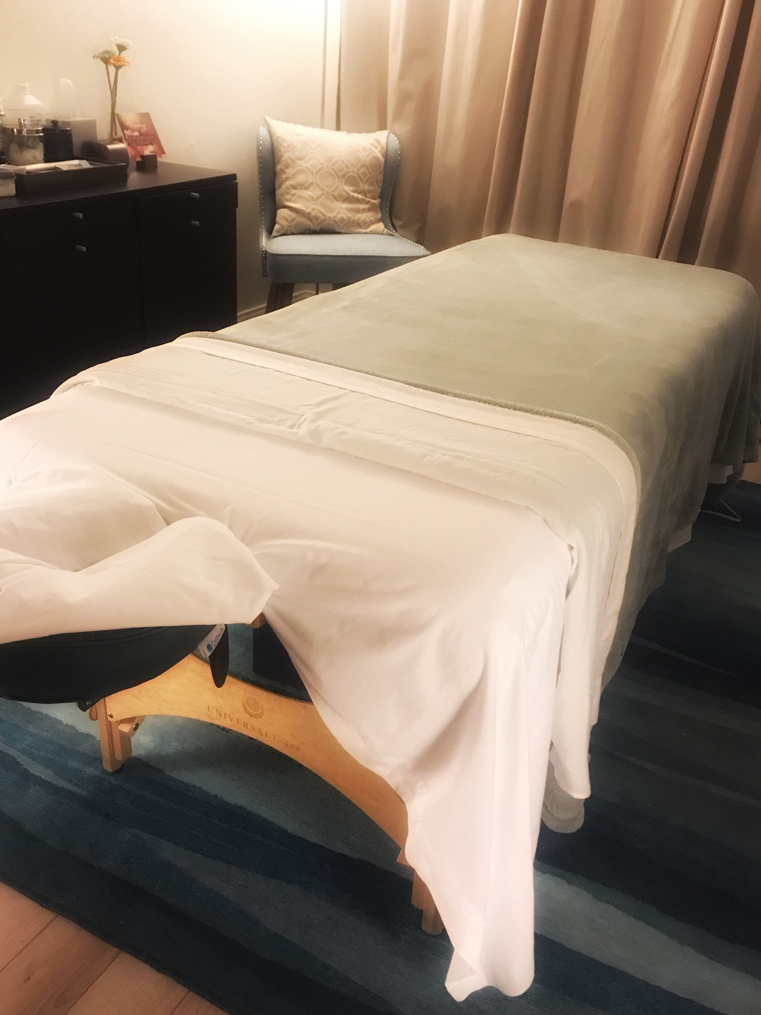 massage room 2.jpeg