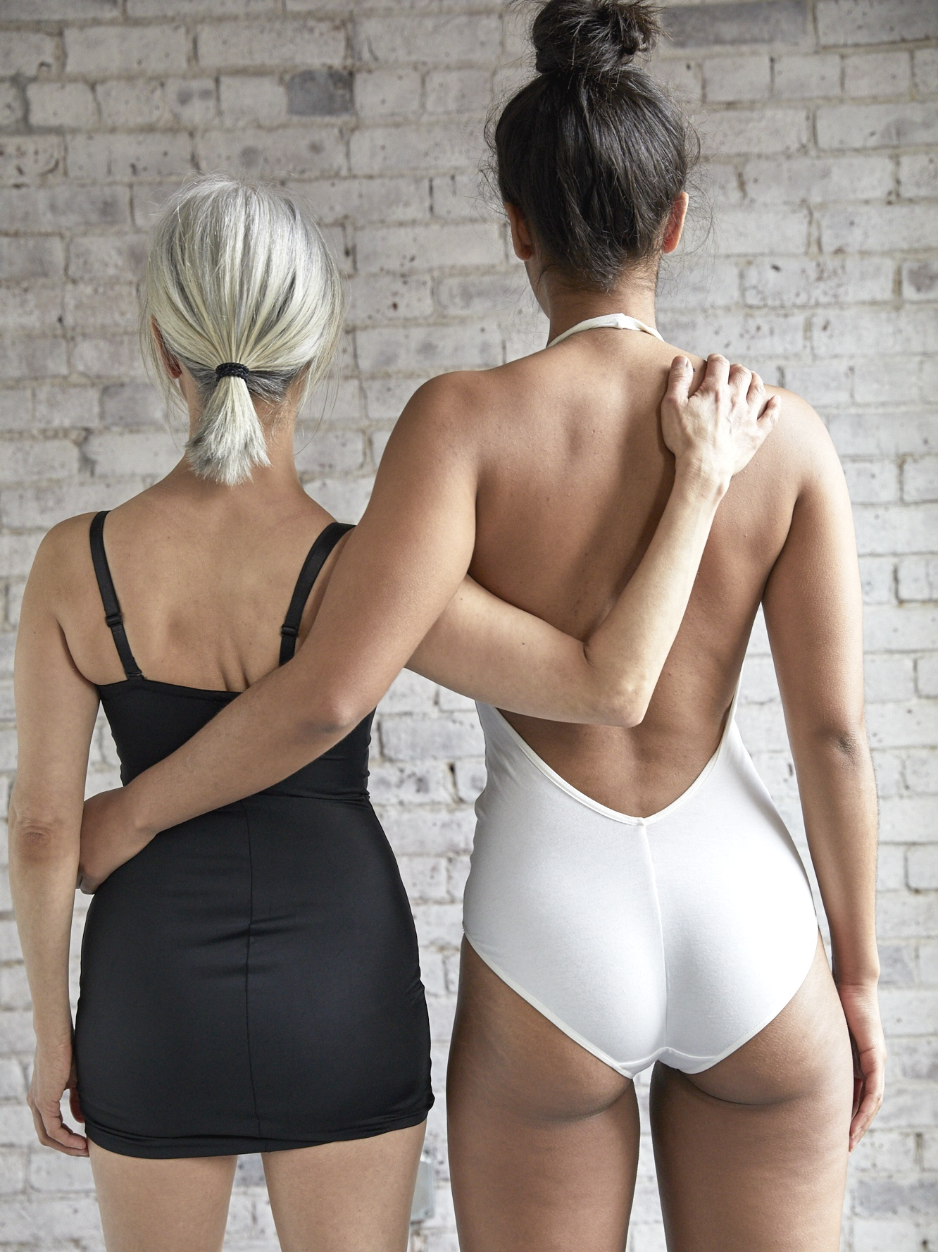 Cryoskin Slimming - This 28 minute treatment helps to naturally destroy fat cells. Whether you're looking to lose fat on your stomach, thighs, arms or back this is the solution for you.The Cryoskin machine is capable of causing thermal shock due to its ability to alternate rapidly between periods of skin warming and cooling. First the heat is applied for 2 minutes on the treatment area. Heating allows for the fat cells to rise to the surface which are then quickly targeted during the 12 minute cold treatment of each area.Your Cryoskin sessions will be every 2 weeks, to ensure your lymphatic system has time to recover leaving you to look and feel amazing.3-6 sessions are recommended for best results.