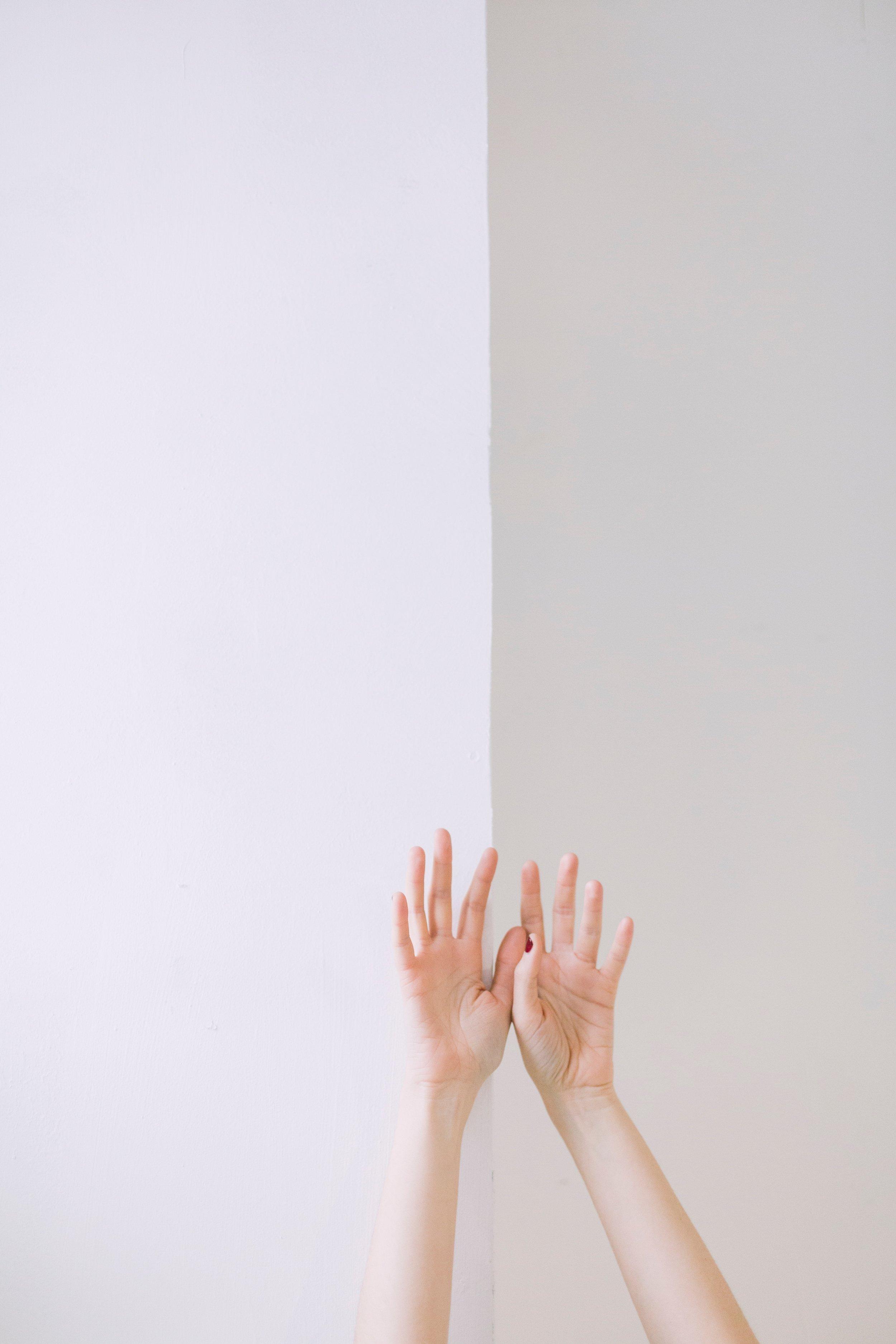 arm-girl-hands-709801.jpg