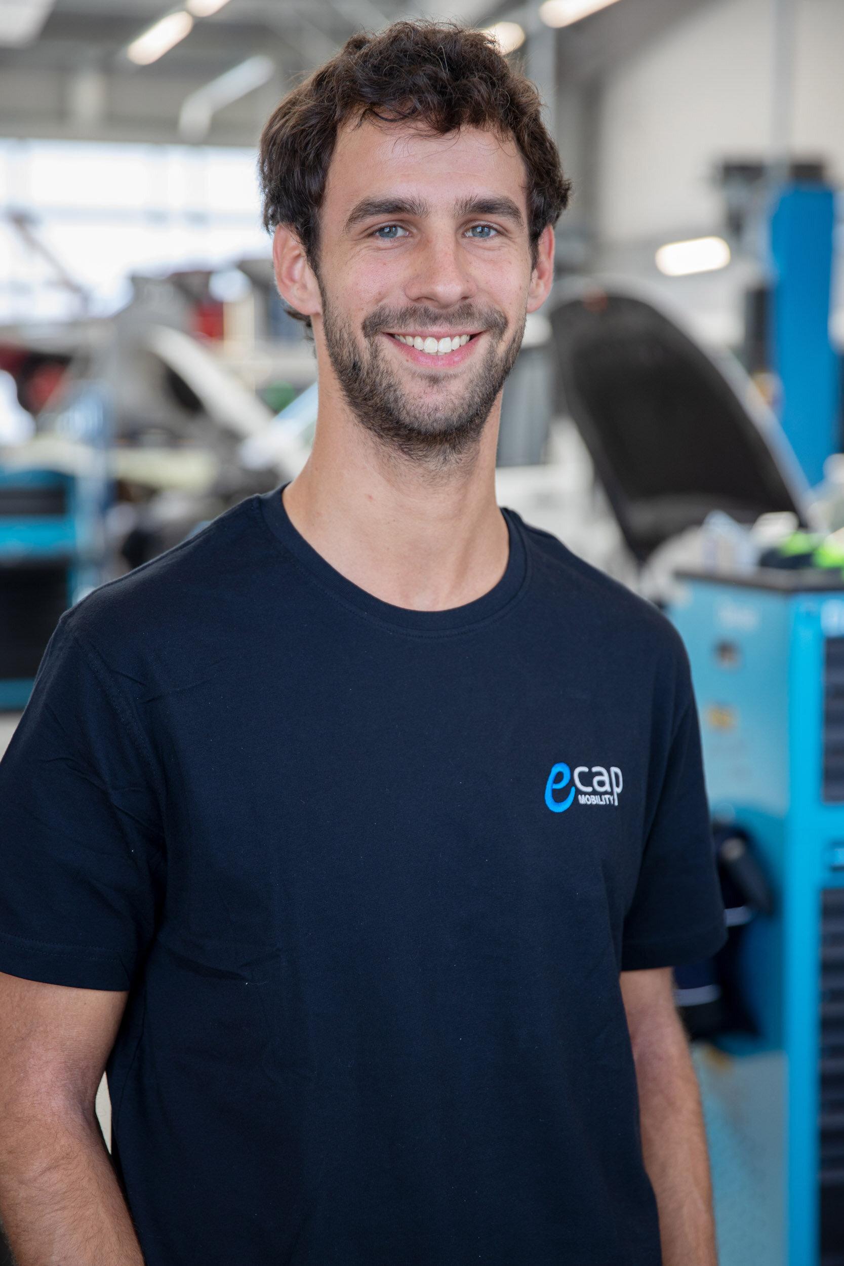 Carsten Schütte | Projektmanager Wasserstofflogistik  cas@ecap-mobility.com