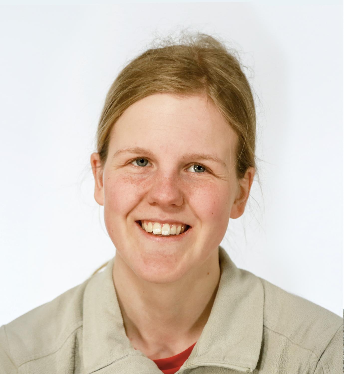Henriette-Aabjørnrød.png