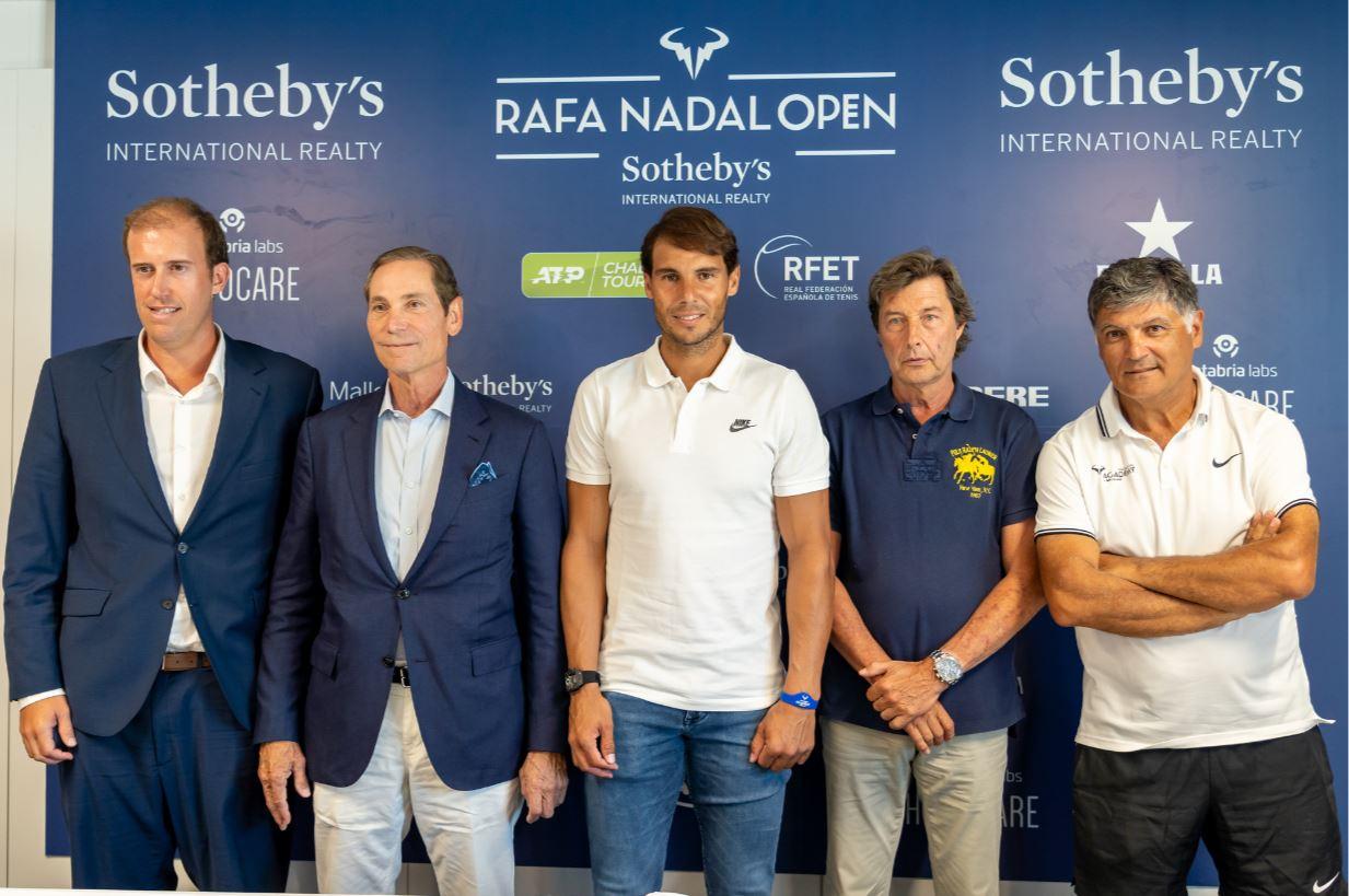De izquierda a derecha: Joan Suasi, Phillip White, Rafa Nadal, Javier Soler y Toni Nadal.