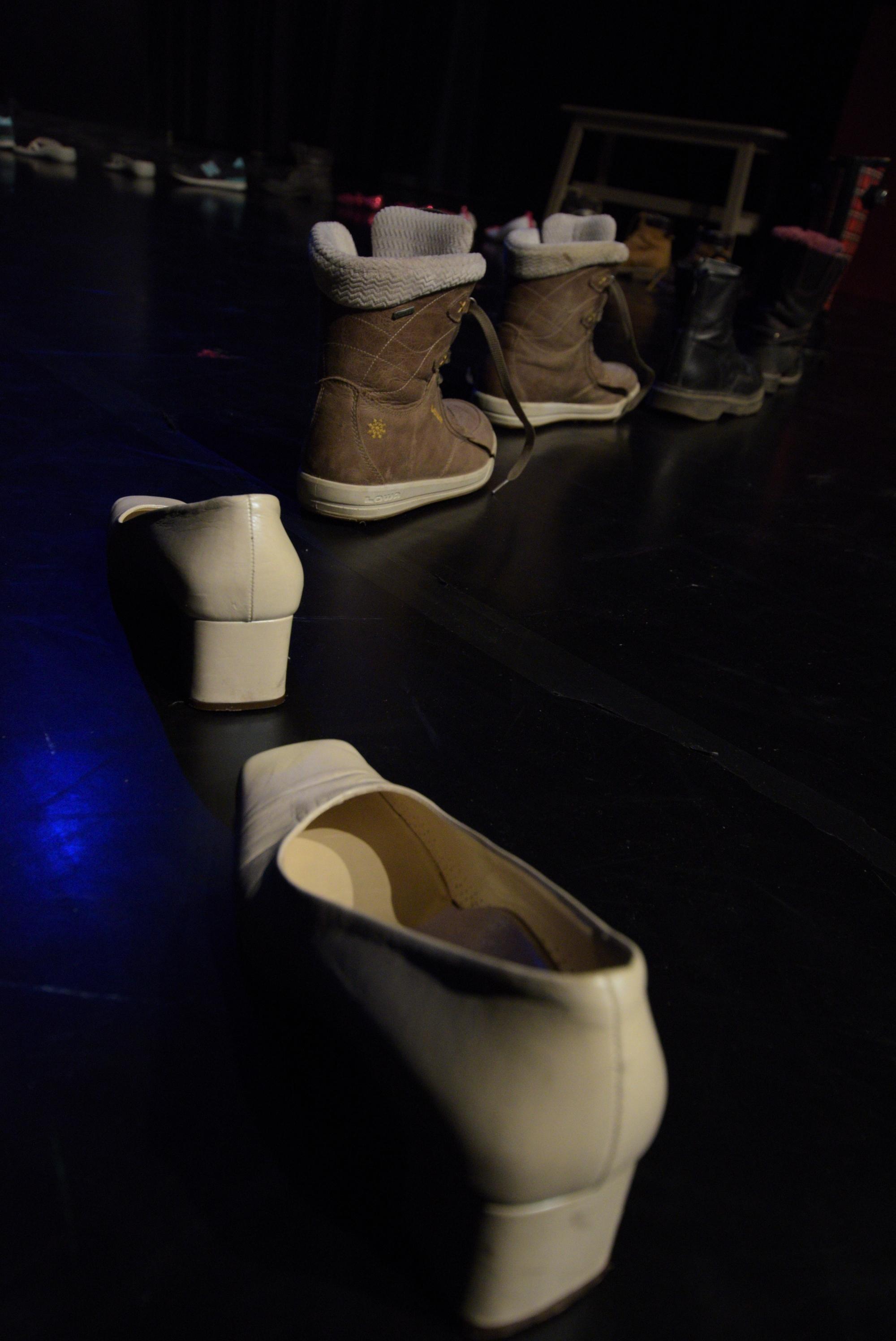 2017 zinnober Die zertanzten Schuhe 02.JPG