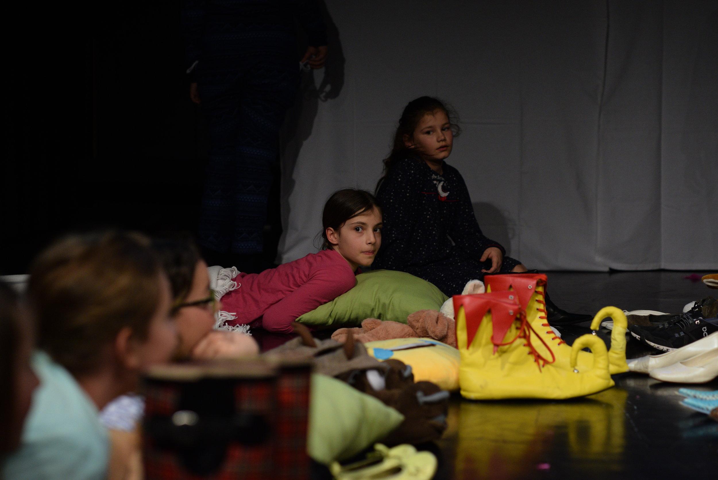 2017 zinnober Die zertanzten Schuhe 06.JPG