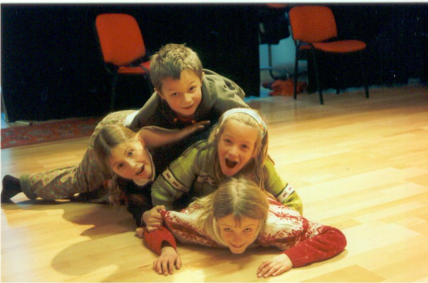 2002 orange Gruppe 2.jpg