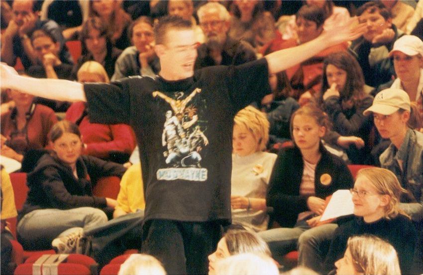 2002 sapperlot audience 01 Kopie.JPG