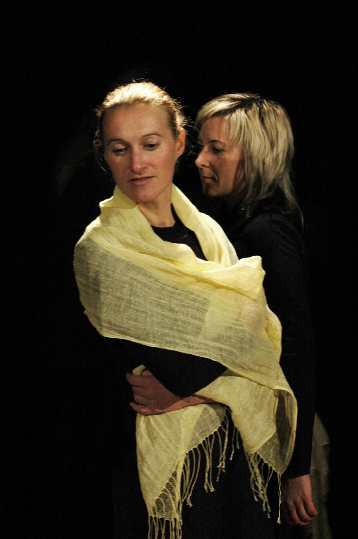 2006 TheaterStudio Freitag Medea 29.JPG