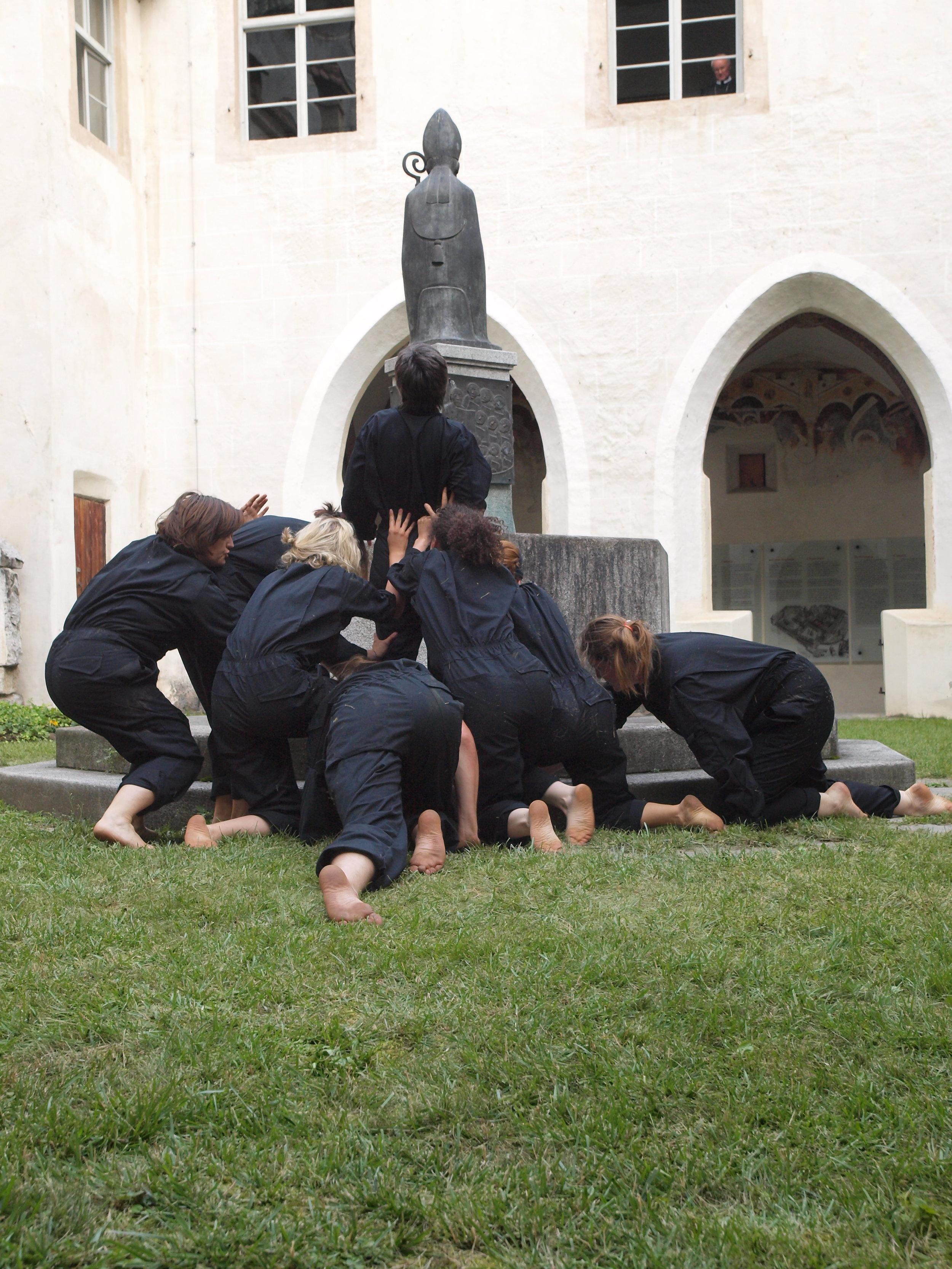 2008 TheaterStudio Freitag Wer ohne Sünde ist Neustift  15.JPG