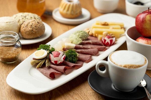Best-breakfast-bohinj-sunrose7-1.jpg