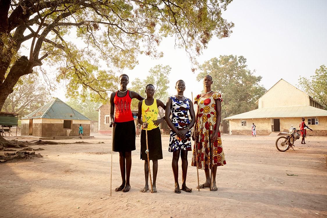 4 young women