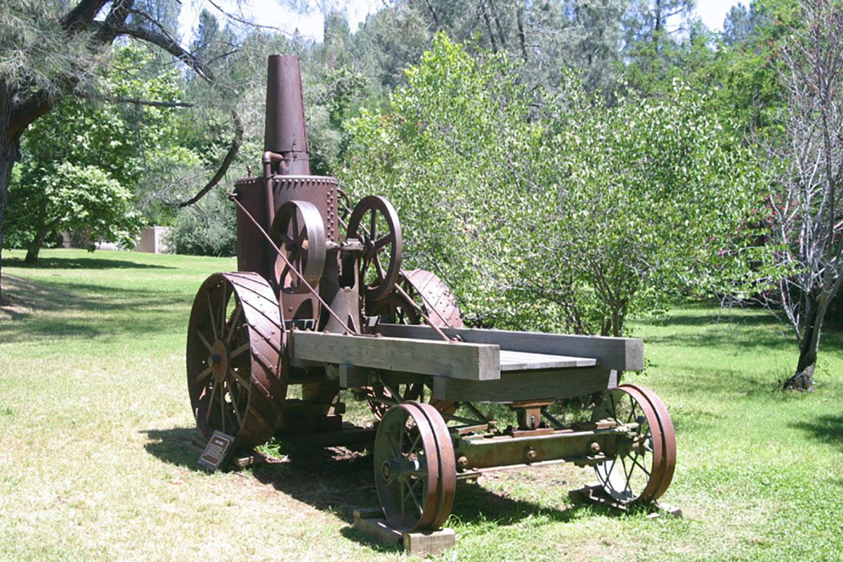 Steam-Tractor-5.jpg