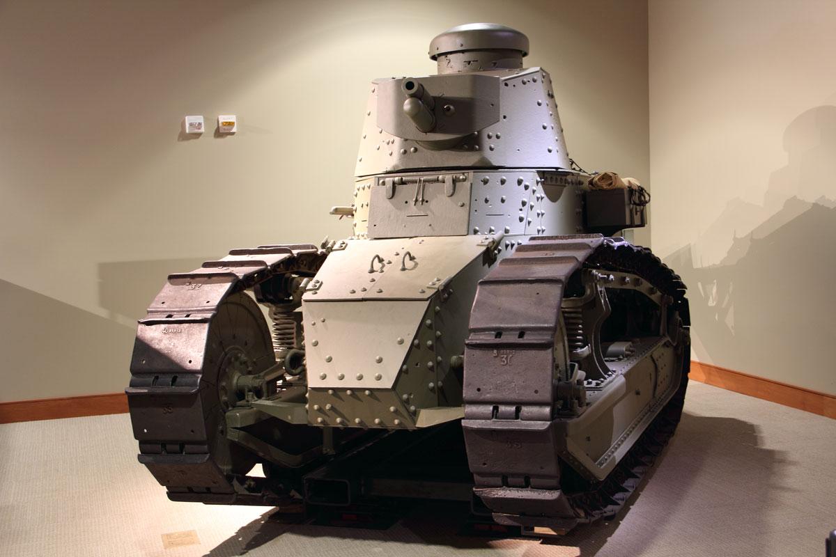 World-War-I-M1917-Tank_11.jpg