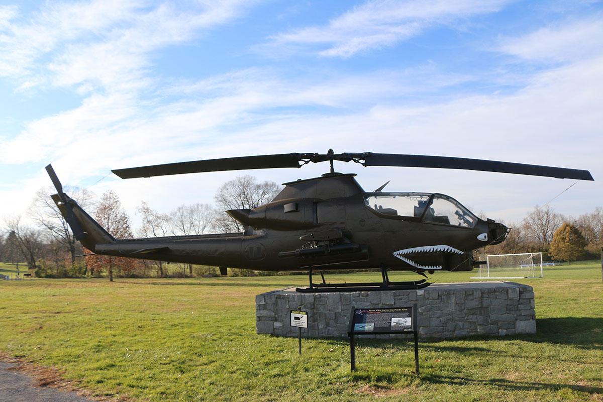 AH-1S-Cobra-Helicopter_11.jpg