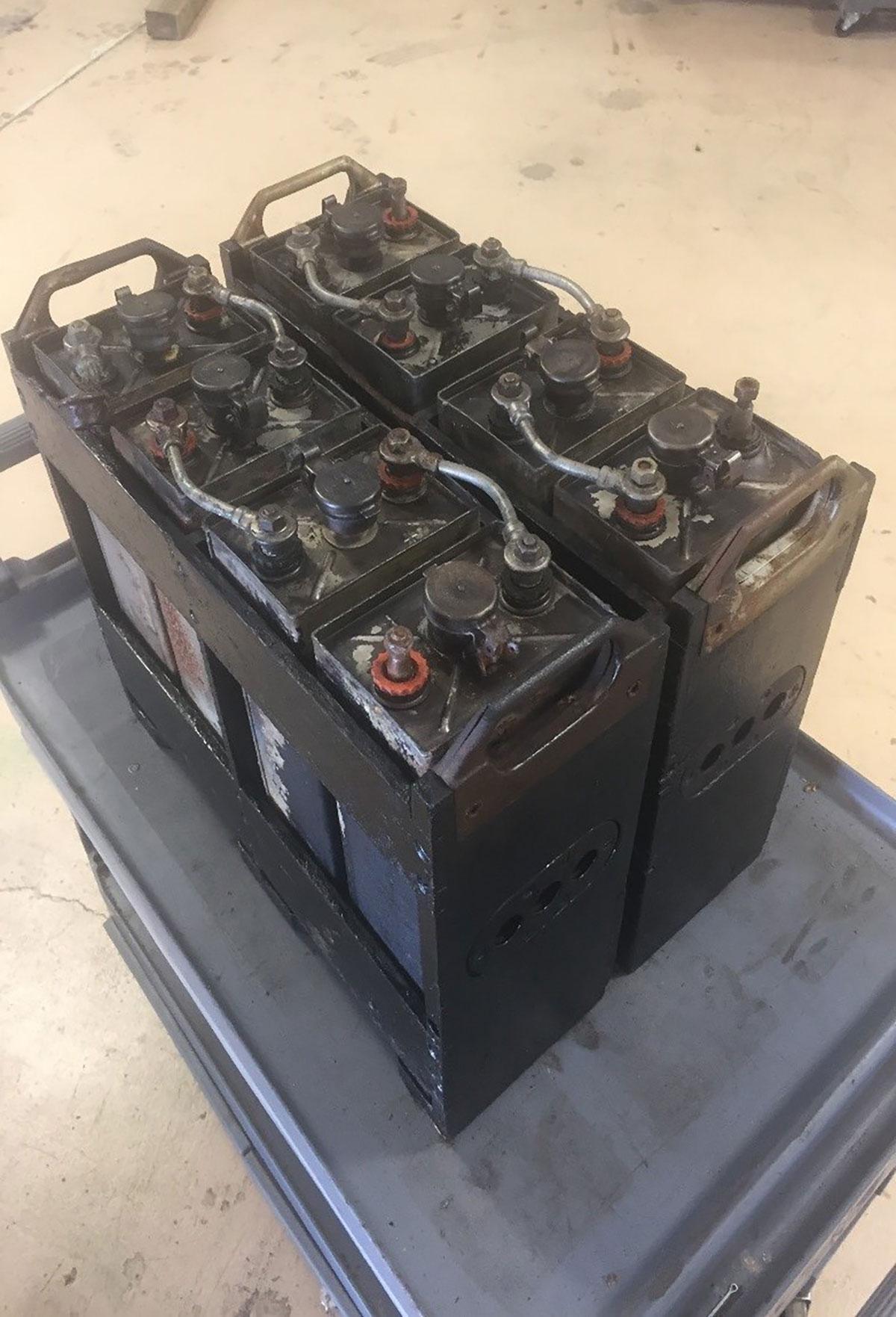Edisons-Detroit-Electric-1914_batteries-2.jpg