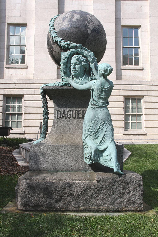 Daguerre-monument-conservation-1.jpg