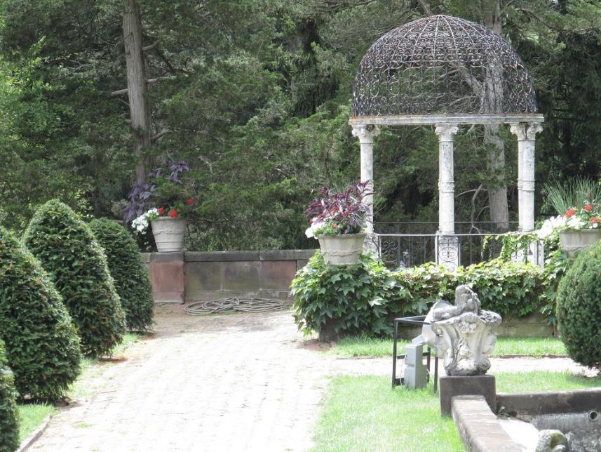 Sonnenberg_gardens-2.jpg