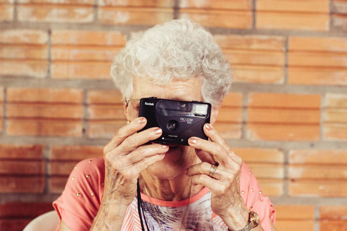 elderly-in-museums-programming-aging.jpg