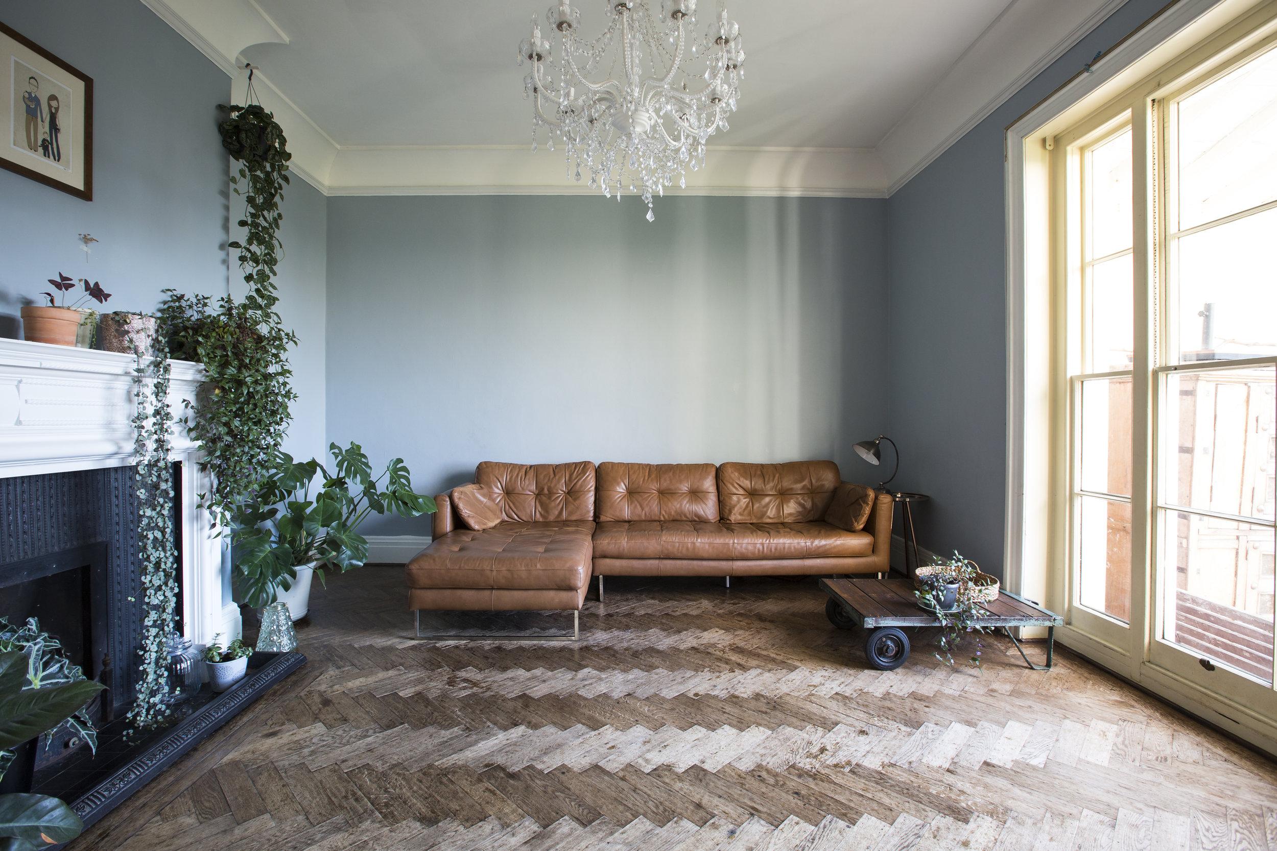Uplands West Living Room_01.JPG