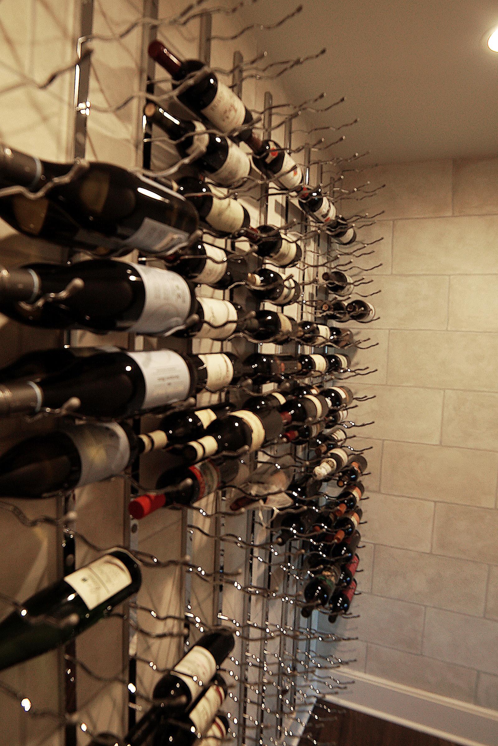 Wine_cellar_DSC06350.jpg