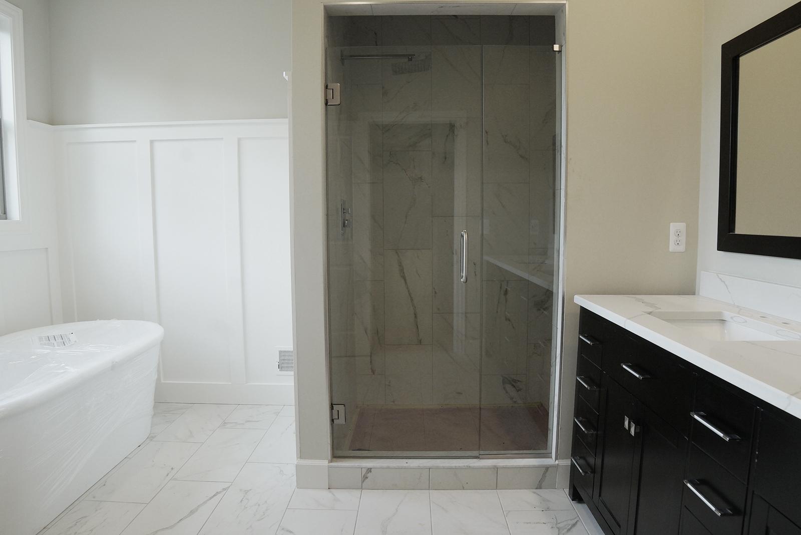 Bathroom_shower_DSC06110.jpg