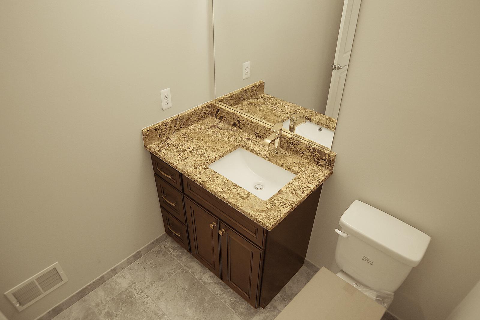 Bathroom_DSC06135.jpg