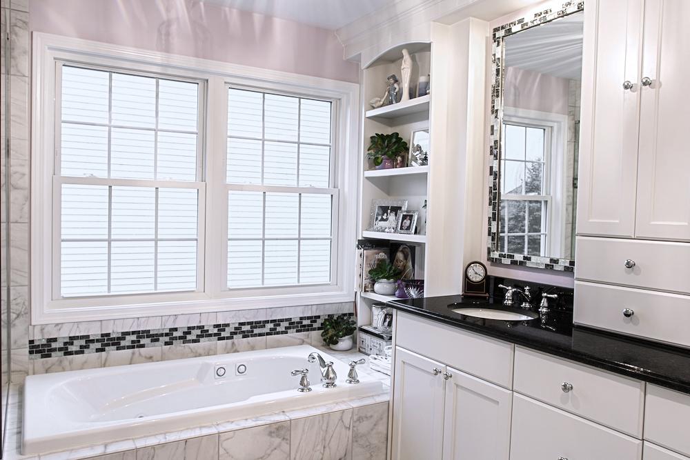 Master-Bathroom-Tub-and-Vanity.jpg