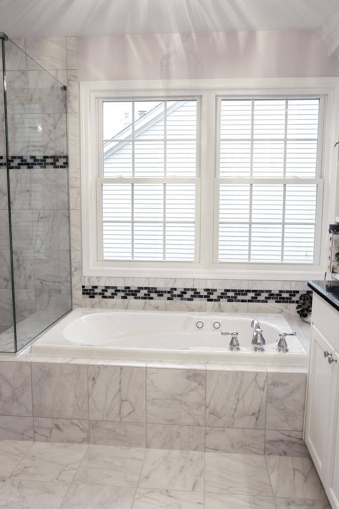 Master-Bathroom-Tub.jpg