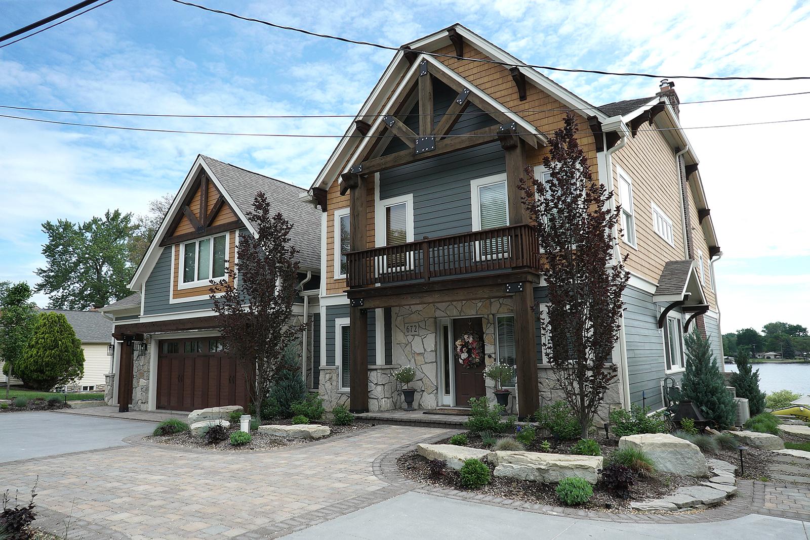 House_Front_Driveway_DSC06449.jpg