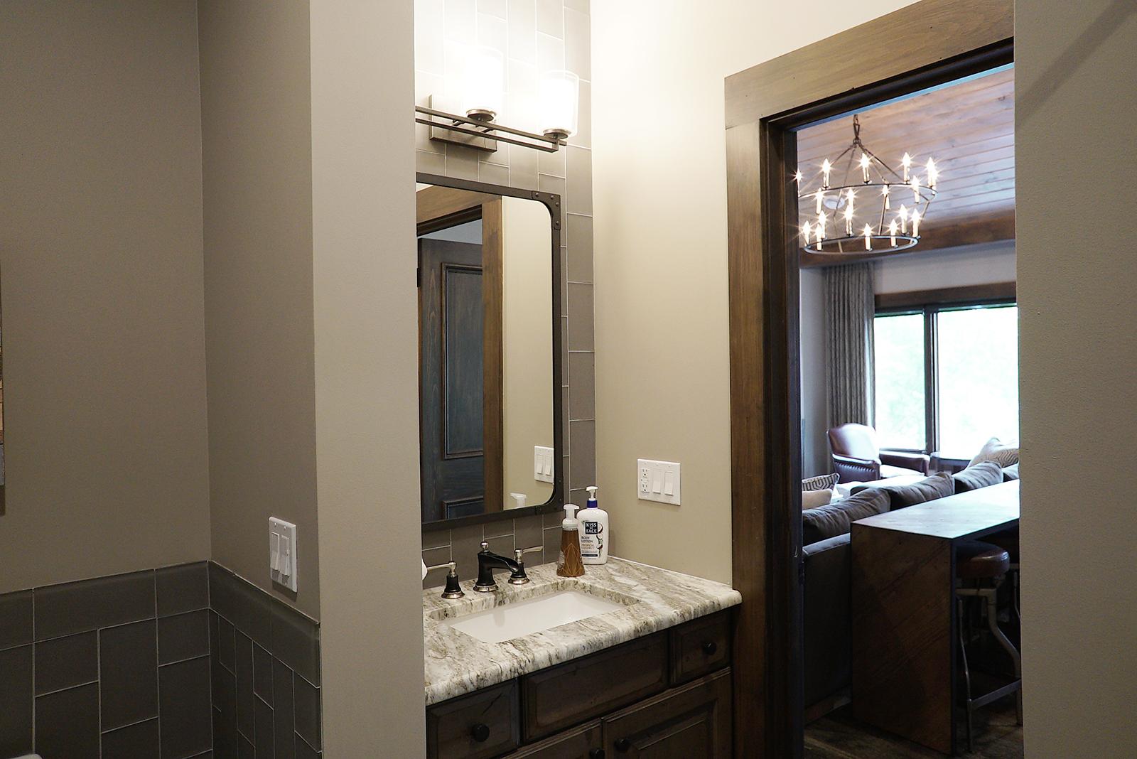 Mini_bathroom_DSC06635.jpg