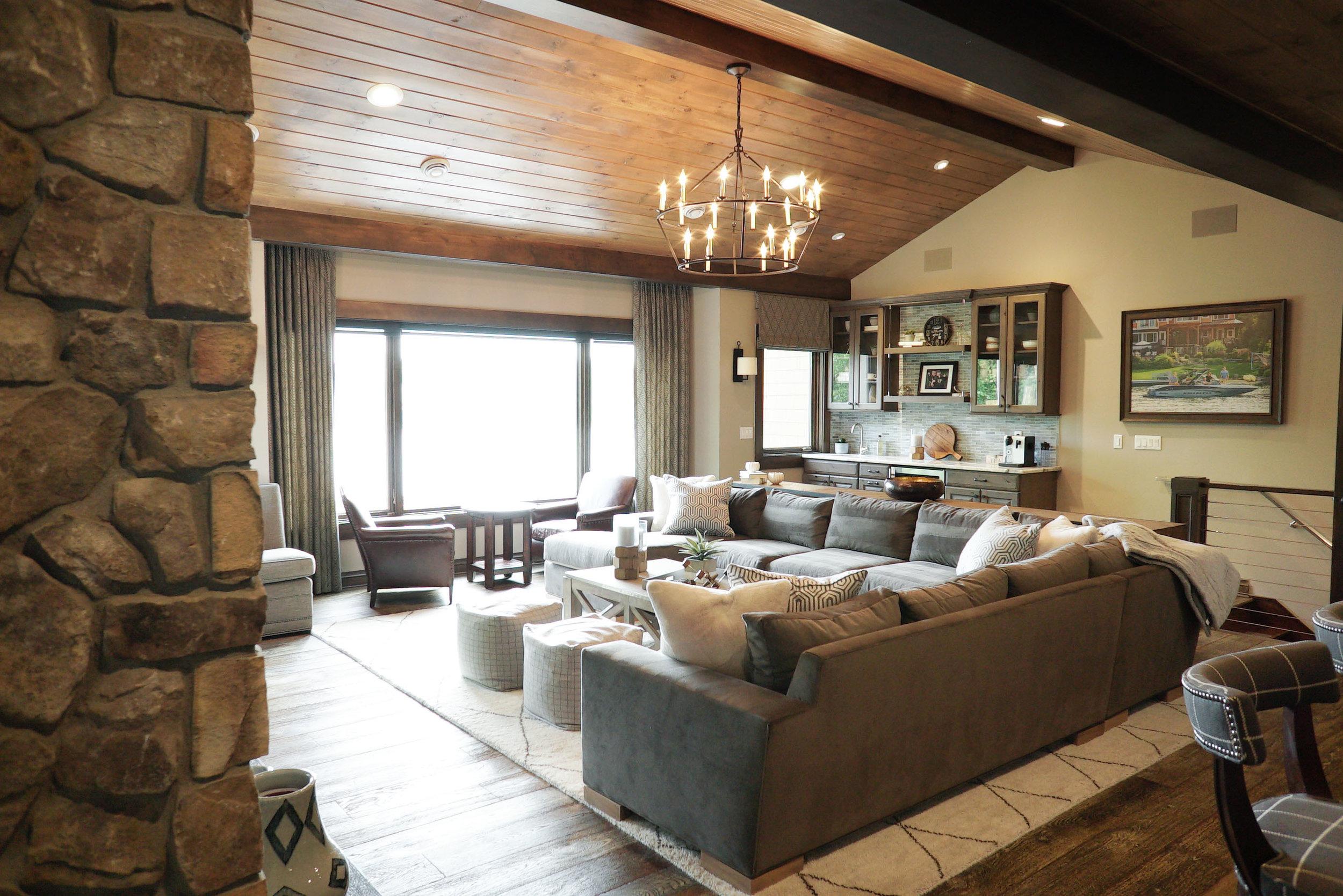 Living_room_Fireplace_DSC06565.jpg